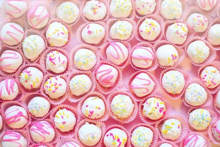 Små runde kager med glasur